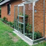 Kundbild med v?xthus Altan och aluminiumbord - Toppen att driva plantor i, tar v?ldigt lite plats.